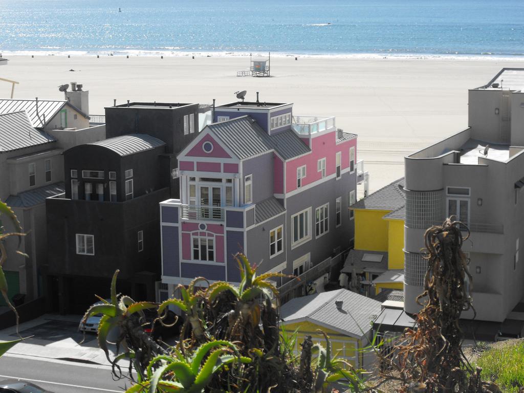Santa Monica Barbie
