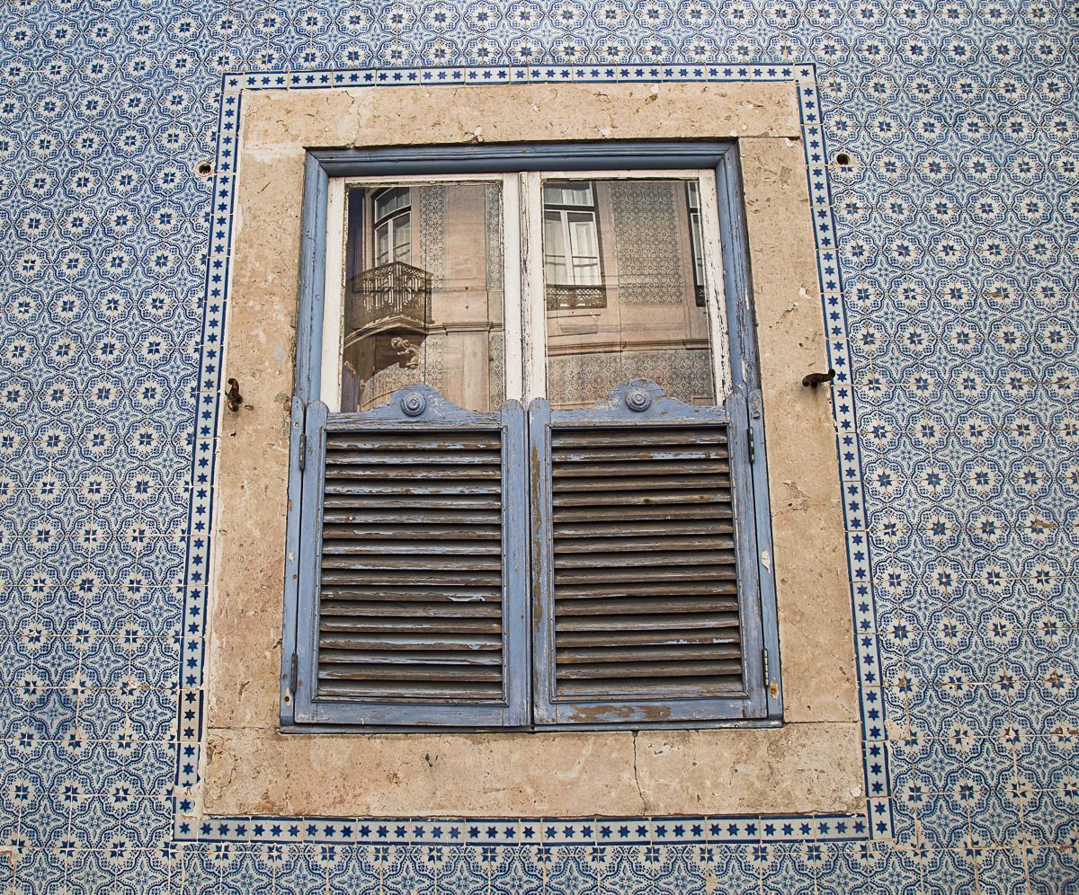 Chiado | Lisbon in detail | One Tiny Leap