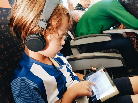 HOW TO PROTECT YOUR FAMILY ONLINE WHILE TRAVELLING